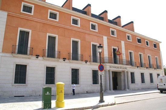 NH Collection Palacio de Aranjuez: Facade de l'hotel