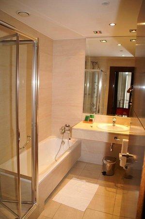 NH Collection Palacio de Aranjuez: Salle de bain