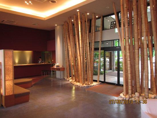 Kanigoten: front desk & lobby entrance