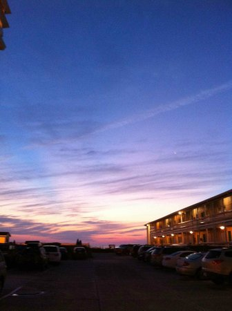 Days Inn & Suites Kill Devil Hills-Mariner Photo