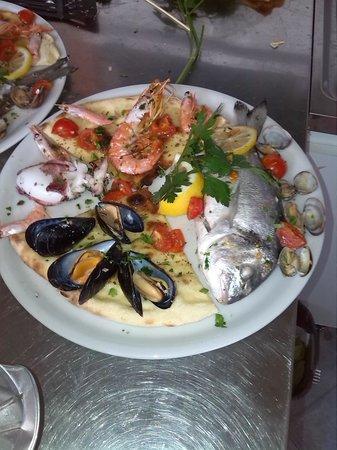 La Playa: buonissimo cartoccio di pesce...