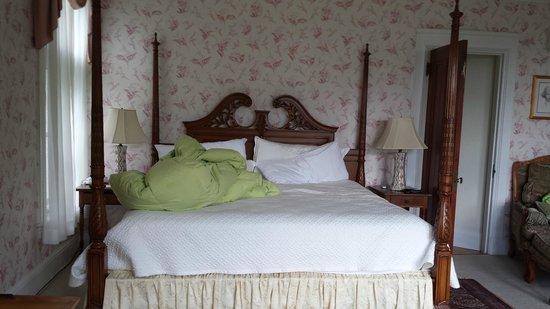 Wilburton Inn : 4 poster bed