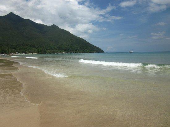 Daluyon Beach and Mountain Resort: beach