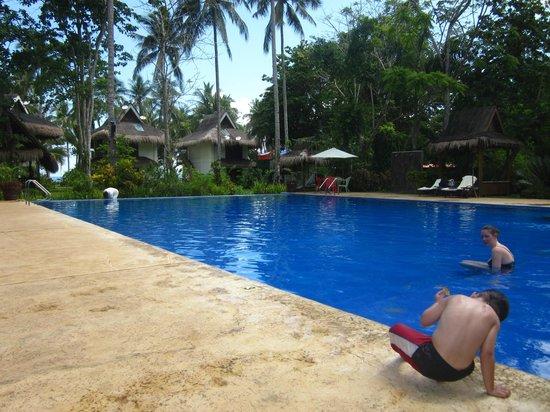 Daluyon Beach and Mountain Resort: pool