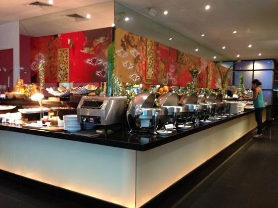 โรงแรมแกรนด์เคมาง: Buffet Breakfast