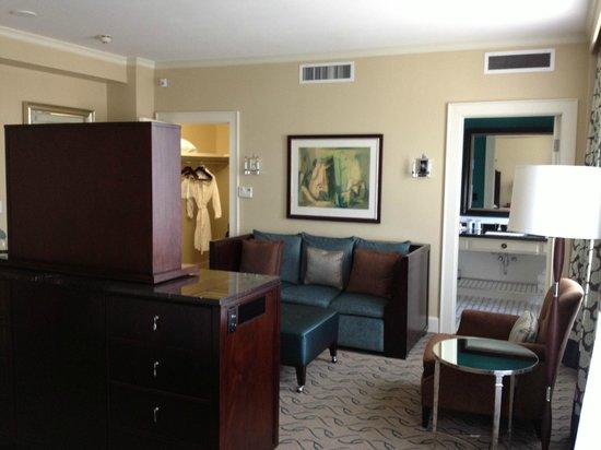 Le Meridien Dallas, The Stoneleigh: Jr Suite Living Room