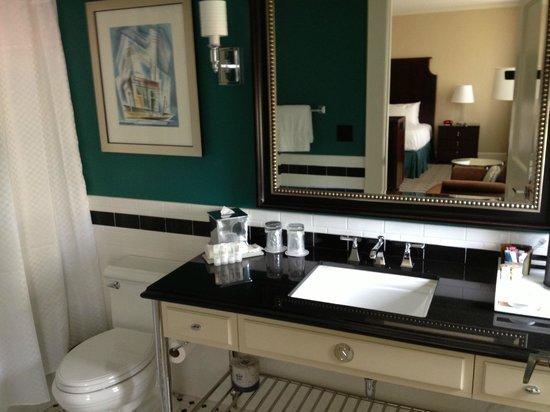 Le Meridien Dallas, The Stoneleigh: Jr Suite Bathroom