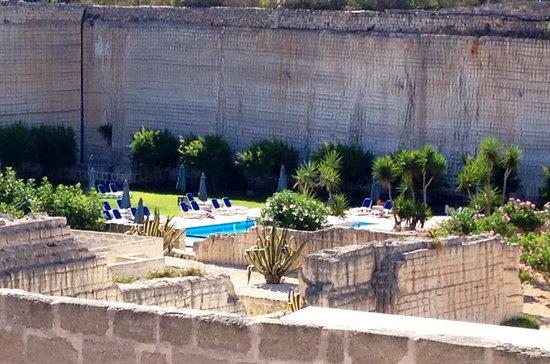 Cave Bianche Hotel: vista piscina