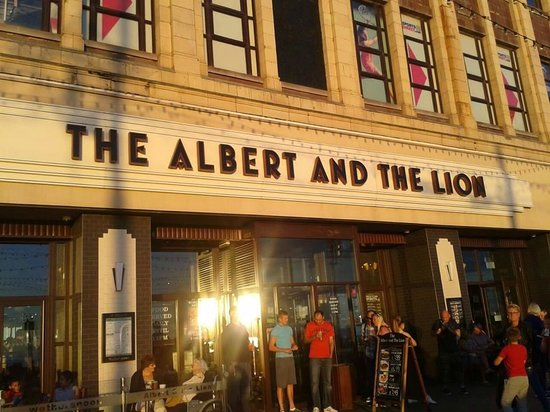 The Albert and The Lion: WEATHERSPOONS  :)