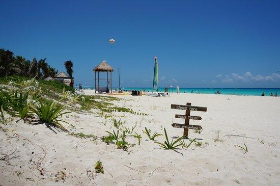 Sandos Playacar Beach Resort : South of hotel
