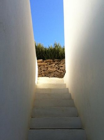 Kamaroti Suites Hotel: our stairs to the room