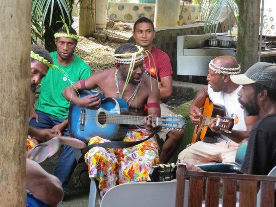 Jais Aben Resort: Bamboo Band Sunday Session at the Bar