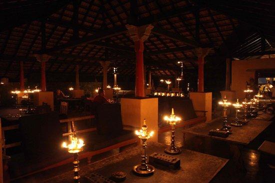 Kandy Samadhi Centre : le soir