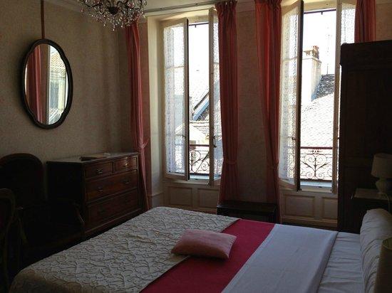 Hotel Continental : Chambre