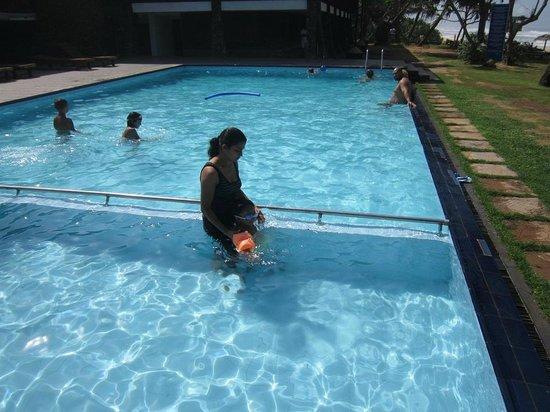 Koggala Beach Hotel: Pool