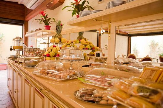 Hotel Cavour: BREAKFAST ROOM