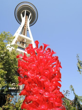 Chihuly Garden and Glass: Glass sculpture