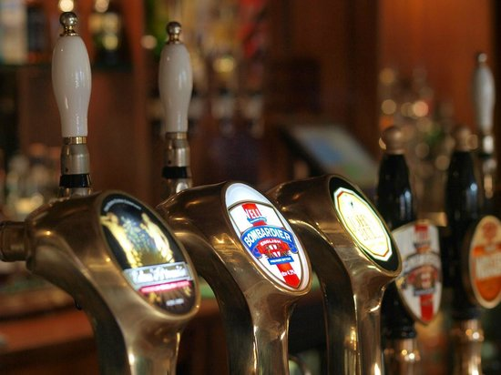 The Bombardier : Beer pumps