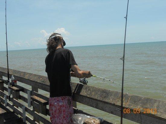 Peer 61 picture of galveston 39 s 61st street fishing pier for Galveston pier fishing