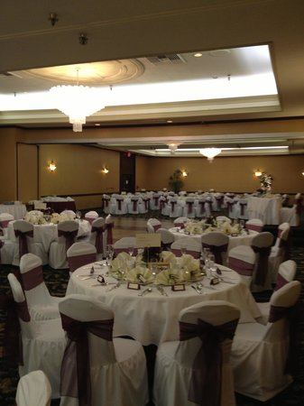 The Hotel Fullerton : room set up
