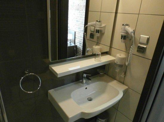 Hotel Artus bathroom # 306