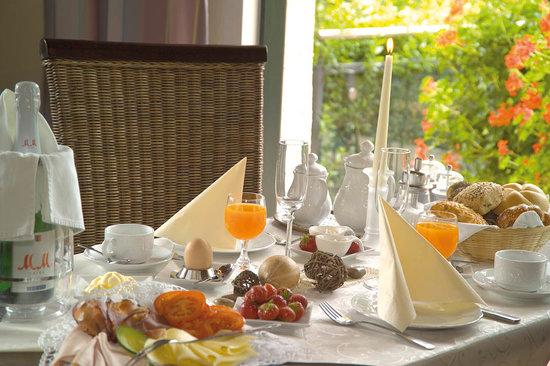 Parkhotel Sonnenberg Eltville: Frühstück