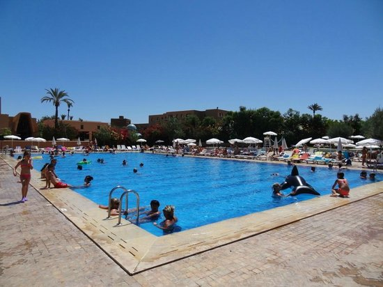 2 e piscine picture of club marmara madina marrakech for Bab hotel marrakech piscine
