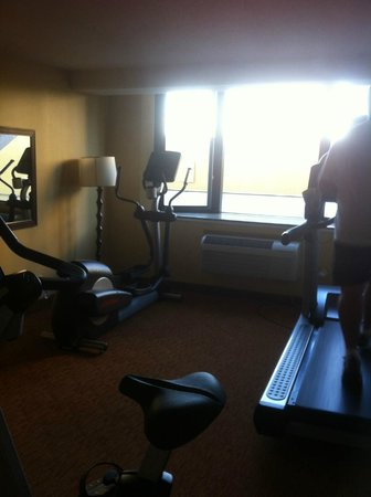 Holiday Inn Long Beach (Dwtn Area): Fitness Room