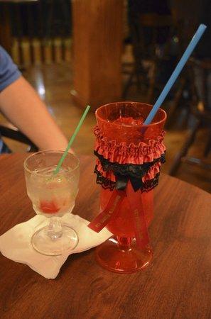 Red Garter Saloon: Drinks!