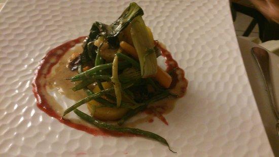 Aux Fontaines : Main course: delicious duck on vegtables