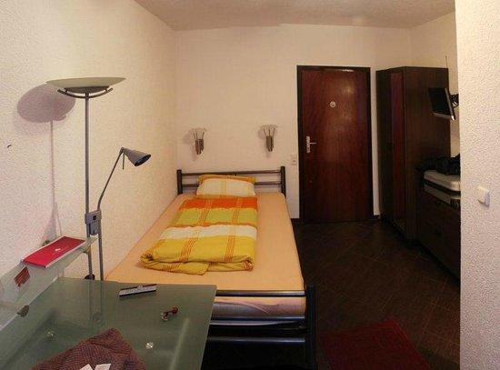 Frohnhauser Hof: Room 9 Opposite view