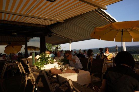 Burghotel Schöne Aussicht: Terrace