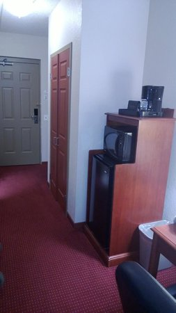 BEST WESTERN PLUS Sandusky Hotel & Suites: Room Entrance