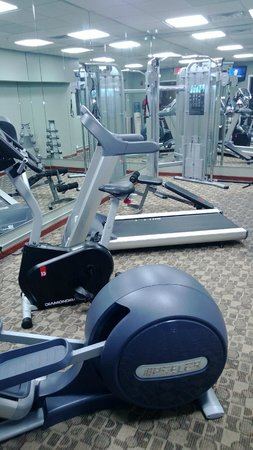 BEST WESTERN PLUS Sandusky Hotel & Suites: Gym