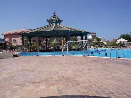Park Inn by Radisson Sharm El Sheikh Resort: Tiran Bar