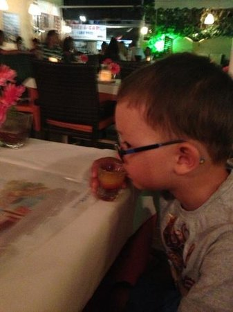 Telesilla poolside Restaurant: even the kids got a compimentry drink....