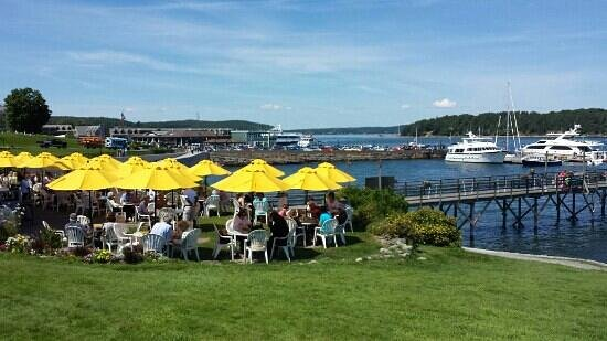 Terrace Grille: Terrace Grill over looking Bar Harbor