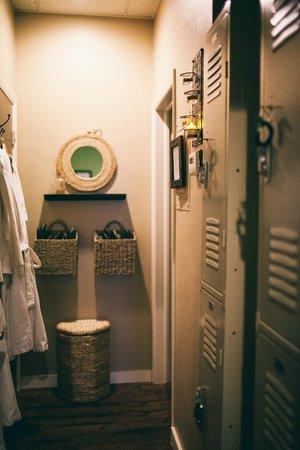 U-topia Spa: Changing Room