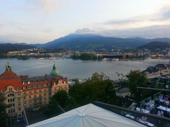 Art Deco Hotel Montana Luzern: Mio-$-View over Vierwaldstätter Lake towards Pilatus Mountain