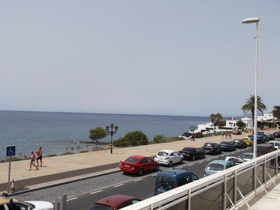 Riviera Park Apartments: view across to fuerteventura