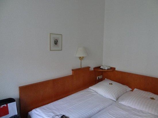 Novum Hotel Ahl Meerkatzen Cologne Altstadt : cama