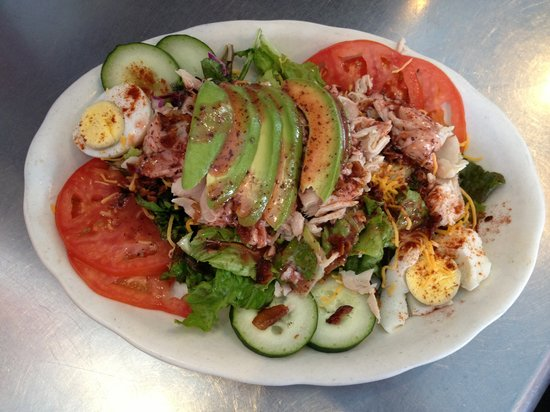 Little Gus Cafe : Little Gus salad