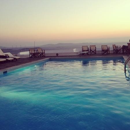 Hotel Tagoo: la piscine de l'hotel