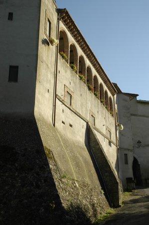 Il Castello di Rosceto: esterno del castello