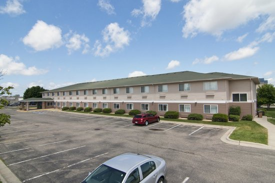 Baymont Inn & Suites Mankato: Outside