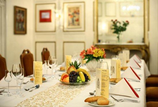 Grandhotel Brno: Flower Lounge Detail
