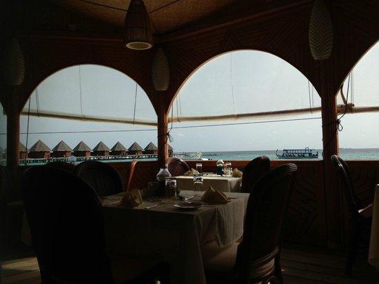 Thulhagiri Island Resort : Vue du restaurant