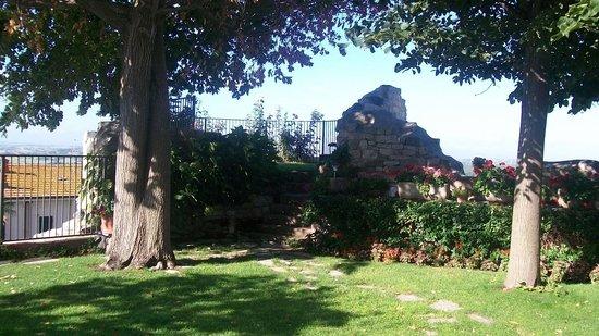 Il Torrione : Particolare del giardino