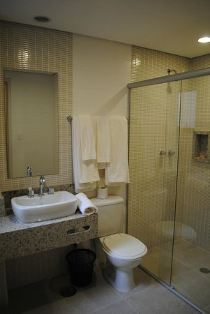Lugus Hotel: Banheiro