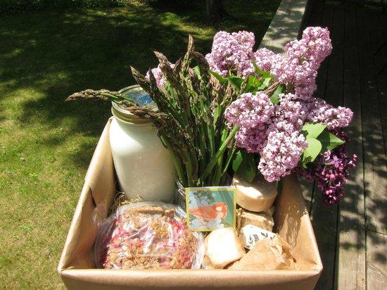 Door County Creamery Care Package